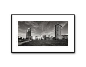 #16111016, Palazzo Lombardia e Torre Servizi Tecnici Comunali, Milano, 2016, image 40x80 cm, cotton paper